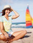lifestyle_caroline_beach_sand